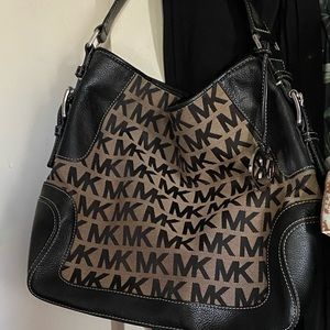 Michael Kors bucket style purse